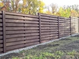 Забор из досок. Варианты деревянных конструкций